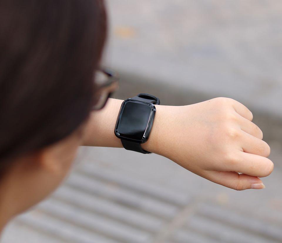Đồng hồ thông minh đẹp long lanh, pin 14 ngày giá chỉ 499k