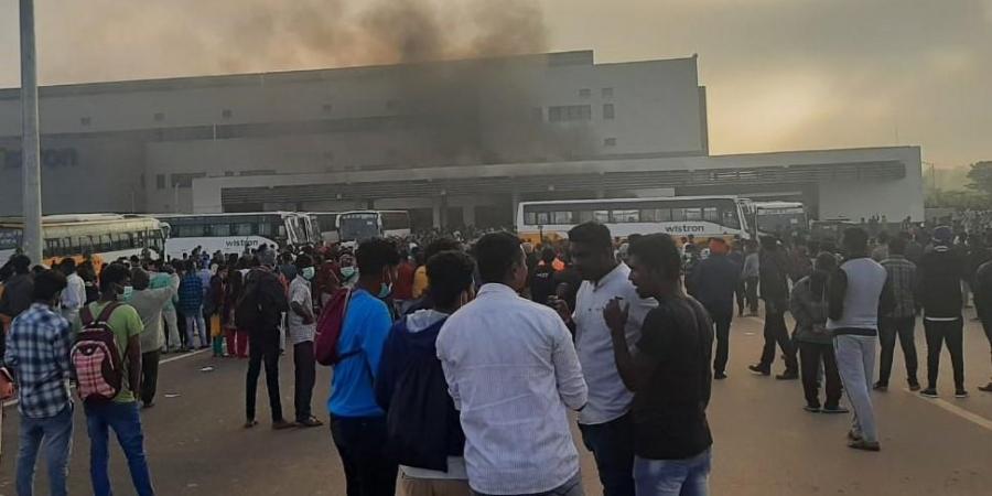 Apple tạm dừng sản xuất iPhone ở nhà máy Ấn Độ sau khi bạo loạn nổ ra 2