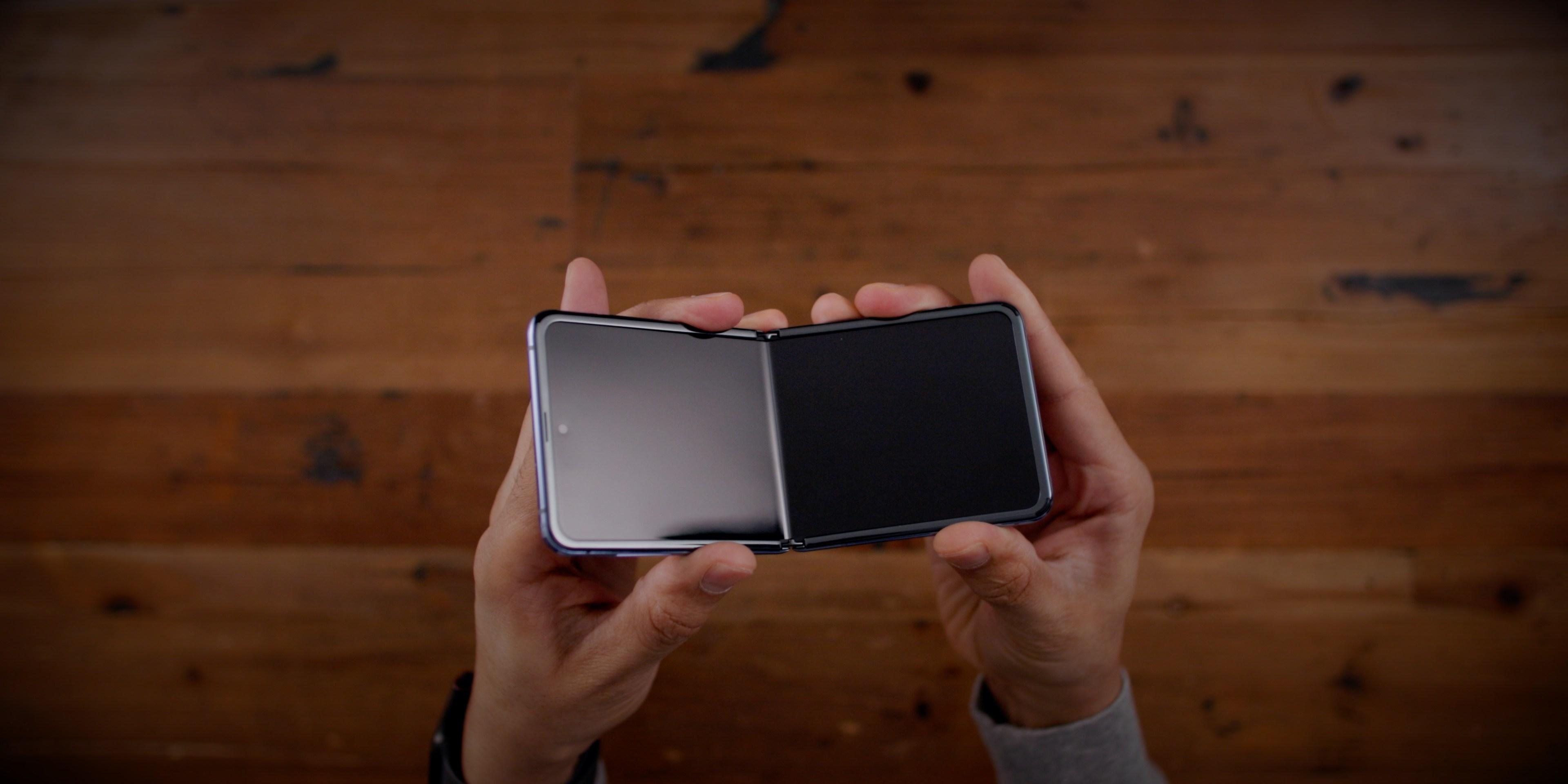Apple đang phát triển nguyên mẫu iPhone có thể gập lại