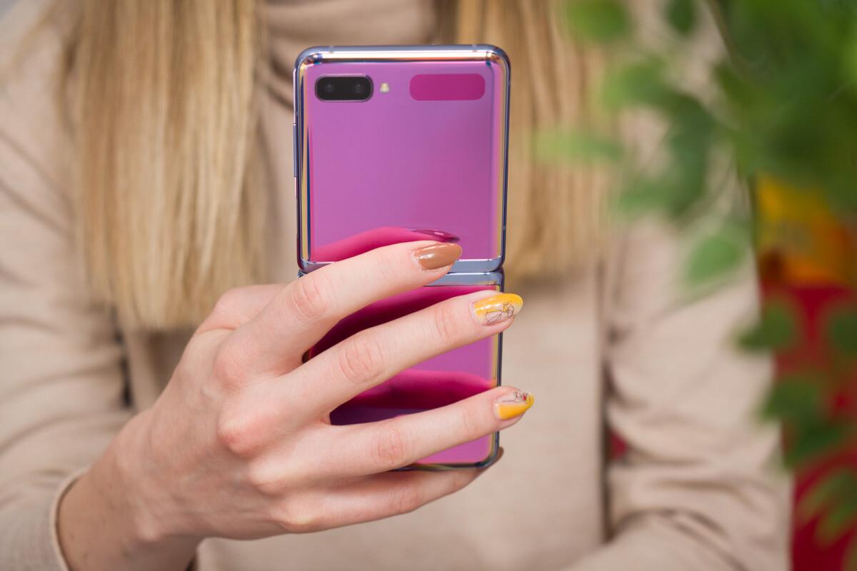 Hóng: Samsung Galaxy Z gập đôi màn hình sẽ ra mắt trong năm nay 2