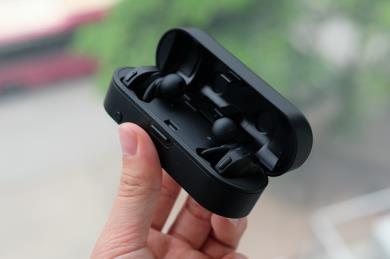 CKR7TW: Tai nghe true wireless đầu tiên có DAC