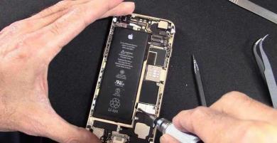 """Apple bớt """"chảnh"""" chịu sửa chữa iPhone từng thay pin không chính hãng"""