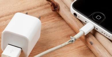 Cáp Lightning dỏm có thể gây hại lớn đến iPhone