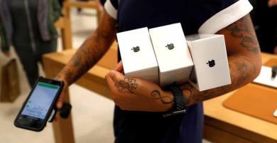 Người đàn ông dùng hơn 1500 chiếc iPhone giả để lừa Apple đổi lấy hàng thật