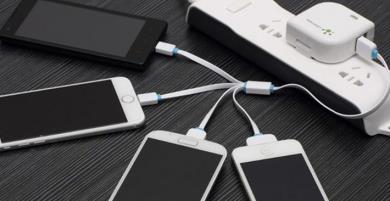 Sử dụng cáp sạc đa năng có làm hại pin điện thoại?